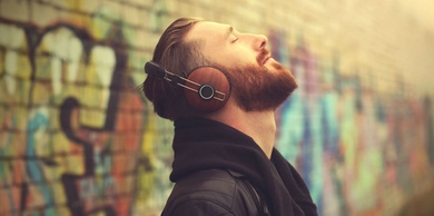 ¿Por qué escuchamos una y otra vez nuestras canciones preferidas?