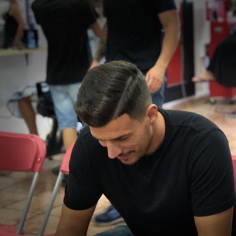 Alisado: Servicios y cursos de Academia de Barbería David Cabello