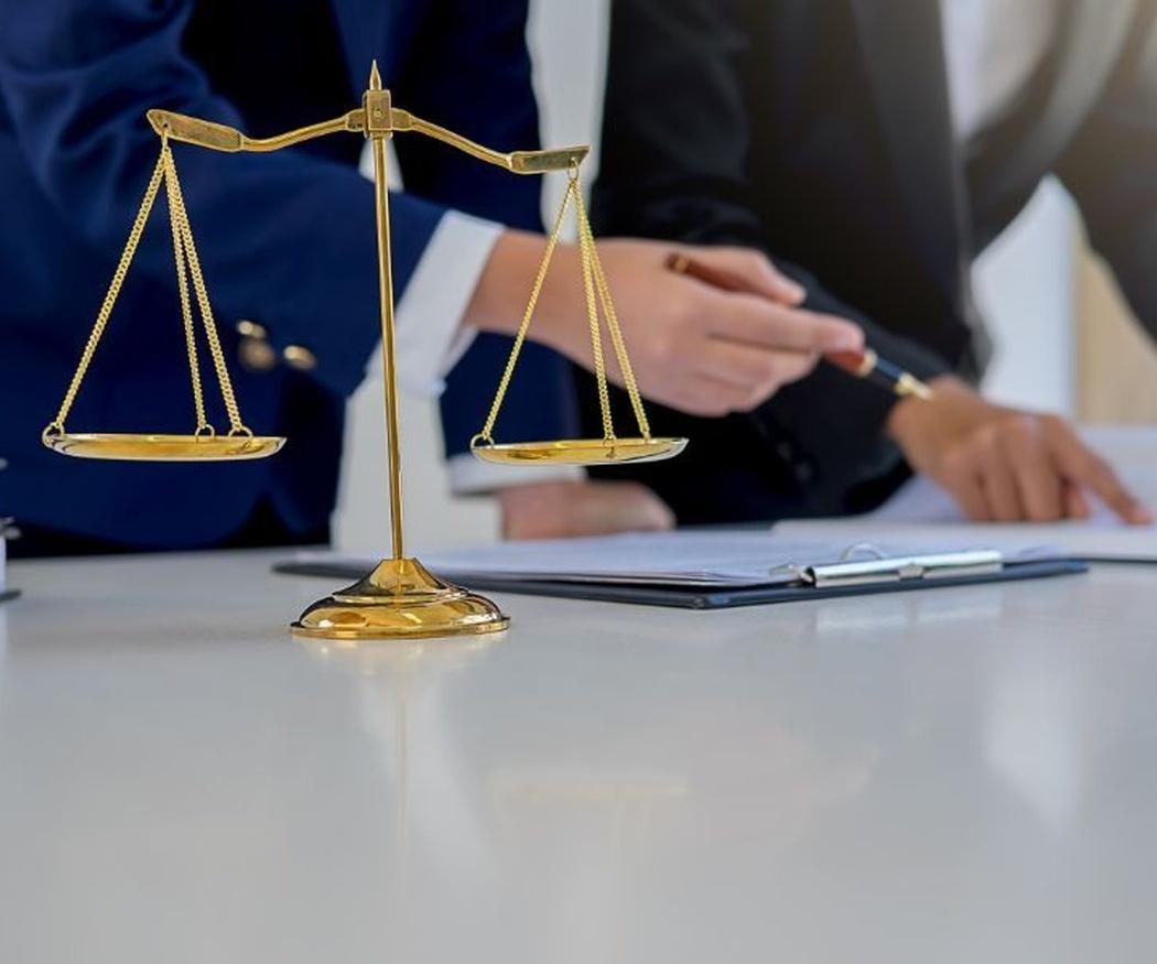 Elaboración y redacción de contratos
