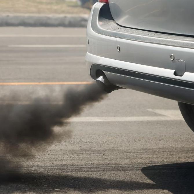 El humo del escape nos indica algunas posibles causas de la avería