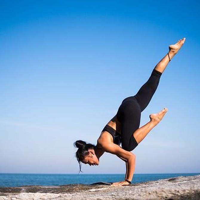Por qué las posturas de Yoga benefician la salud física y mental