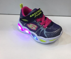 Sabata esportiva de nena (numeració petita),  de la marca Skechers, amb llums led i sola de resalite 39.95€