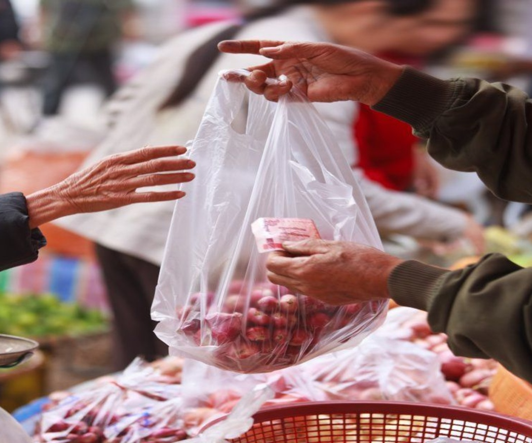 Origen y evolución de la bolsa de plástico