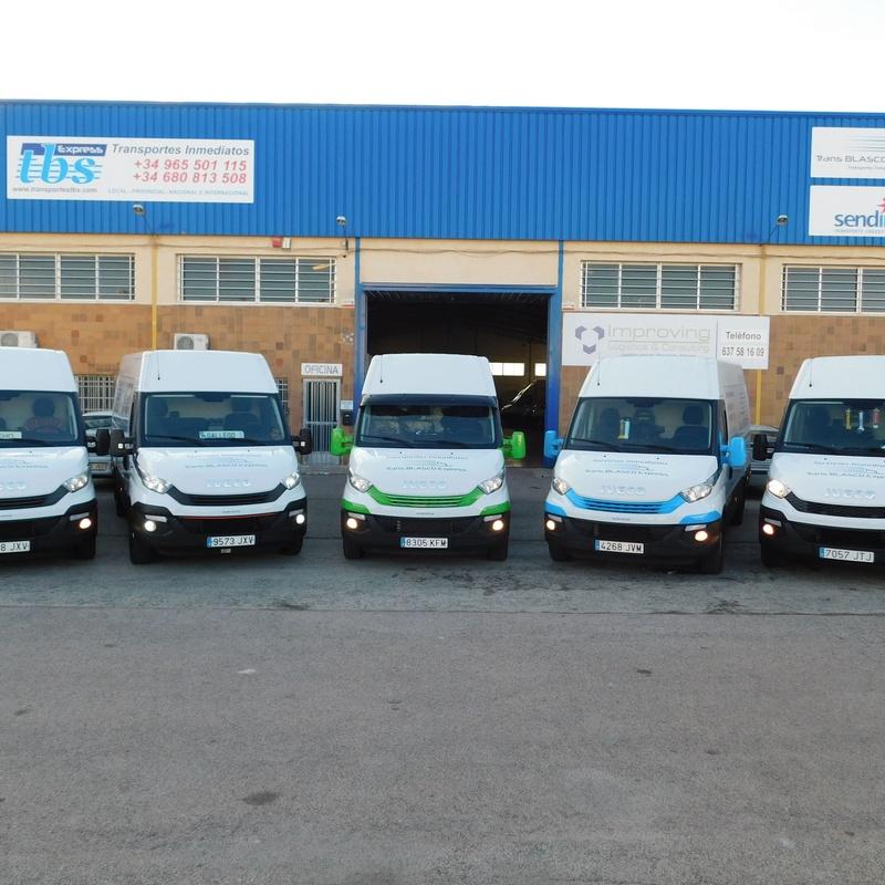 Servicio inmediato de taxi industrial : Servicios de Transportes TBS