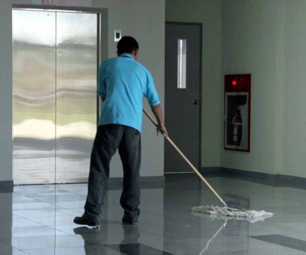 Limpieza y mantenimiento de pavimentos decorativos y suelos antideslizantes
