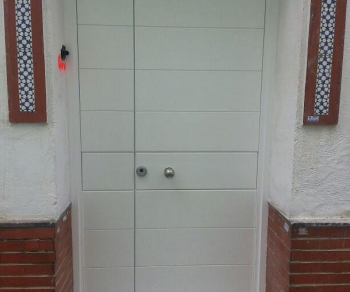 Puertas exteriores: CATÁLOGO de CARPINTERÍA Y EBANISTERÍA ARCAMADE