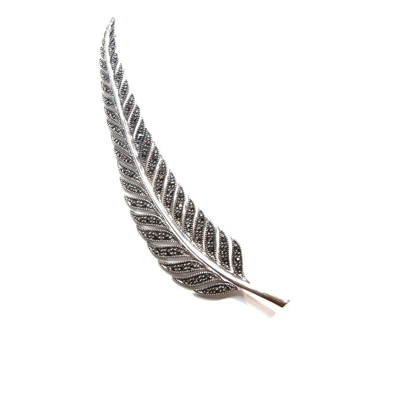 Broche Plata de ley con forma de Pluma  AB-068/00: Catálogo de Antigua Joyeros