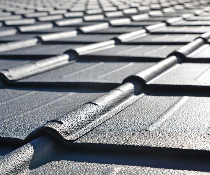 Reconstrucción de cubiertas impermeabilizadas con poliuretanos y posterior retejado. (Sevilla)