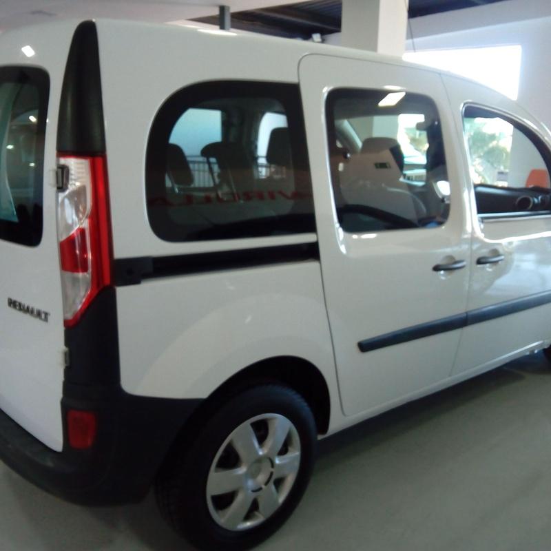KANGO VENDIDA: servicios y vehiculos de Virolla