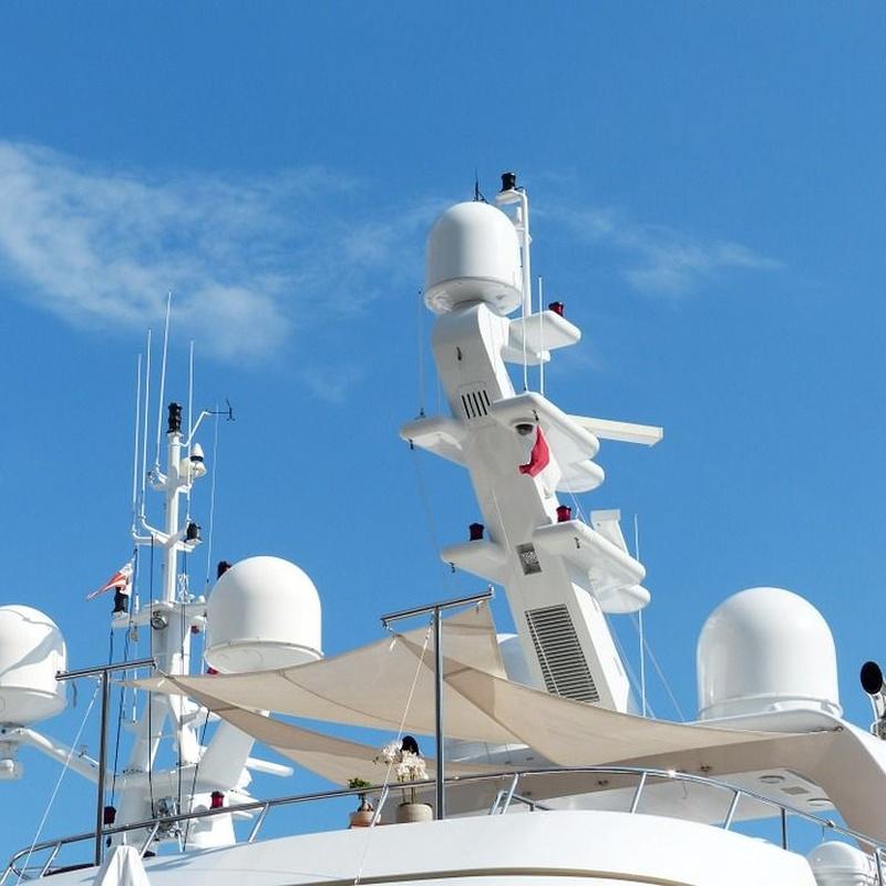 MANTENIMIENTO DE DISPOSITIVOS ELECTRÓNICOS Y ELÉCTRICOS EN EMBARCACIONES: Servicios de Náutica Sur Mediterraneo