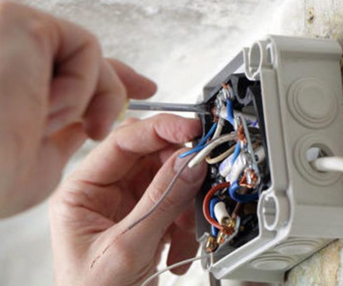 Electricidad: Servicios de Anpi Construcciones