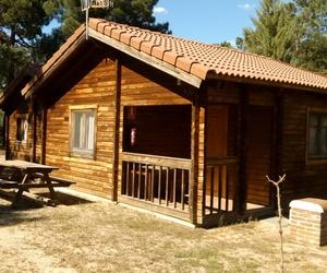 Camping con cabañas de madera en Segovia