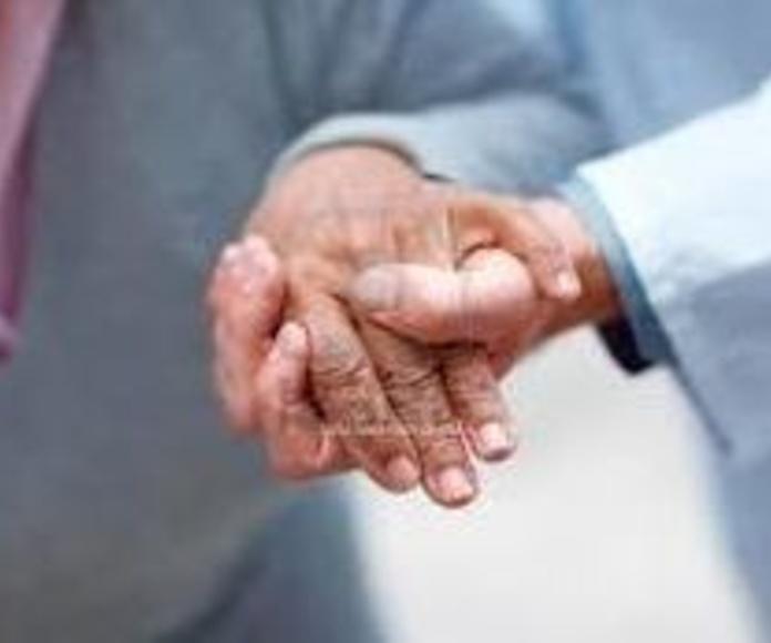 atención para personas mayores con múltiples enfermedades crónicas