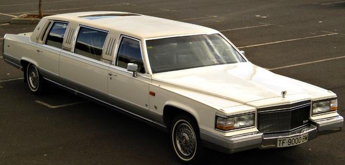 Limusinas - Brougham Cadillac: Nuestros vehículos de HM LUXURY TRANSPORT