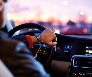 ¿Qué tres partes del coche hay que revisar frecuentemente?