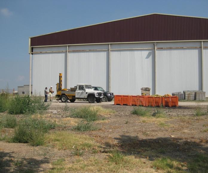 """Estudio Geotécnico para la Ampliación de una nave industrial en la Cooperativa de Bordeta Fruits"""". TM Lleida. EG0330-2010."""