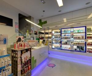Interior de nuestra farmacia en Vigo