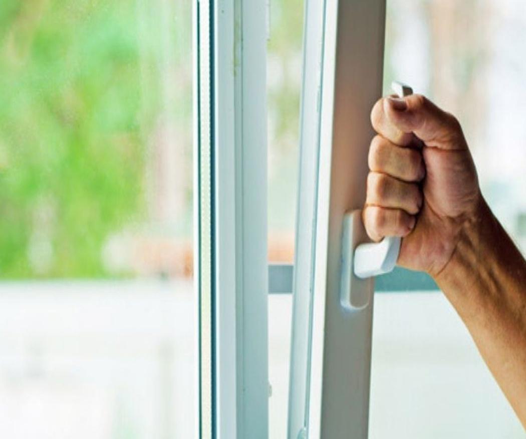 Las ventanas oscilobatientes, ideales para casas con niños
