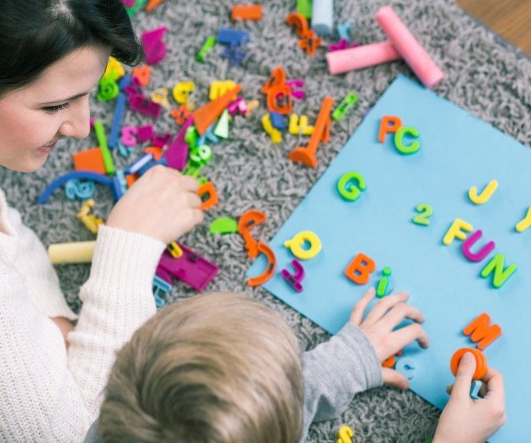 Lo que aprenden en la escuela infantil los niños y niñas más pequeños