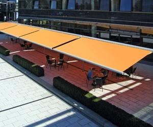 ¿Qué toldo elegimos para la terraza de una cafetería?