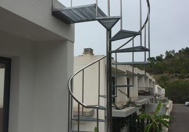 Barandillas de escaleras, jardineras, piscinas