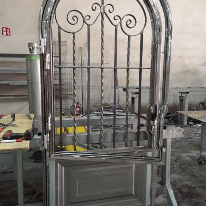 Puertas de hierro : Productos de Inox mueble 2019
