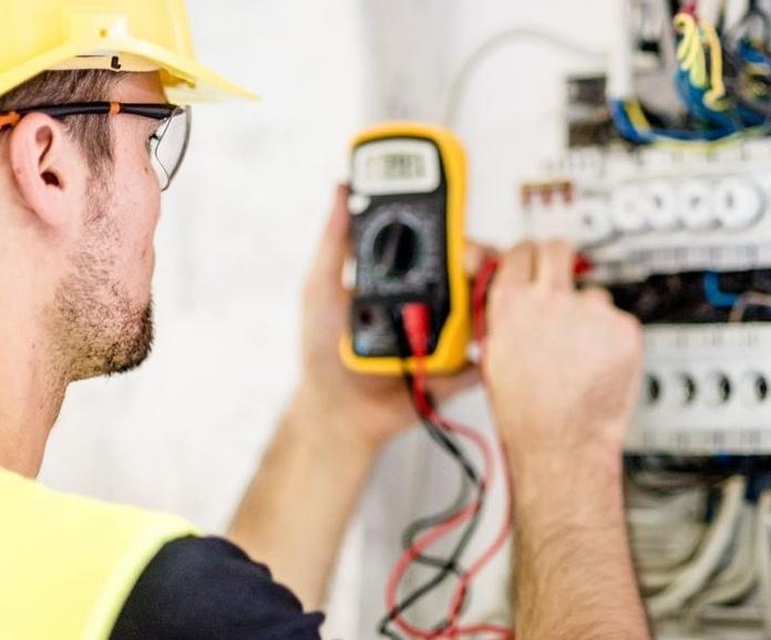 ¡Nuestros electricistas están tambien en Benidorm y Finestrat!