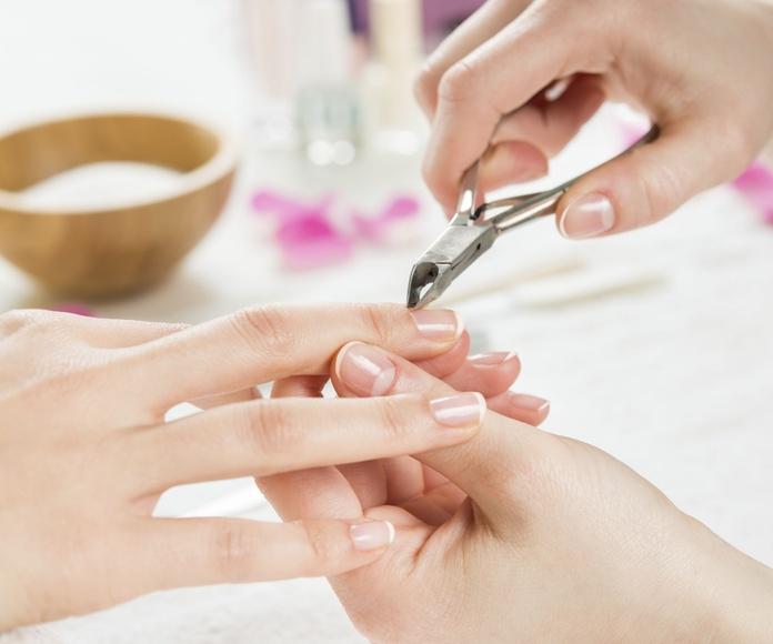 Uñas acrílicas: Peluquería y estética de Belleza Integral 10