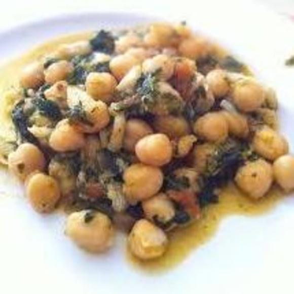 Garbanzos con espinacas y bacalao: Soluciones para sus comidas de Eventos Bernama