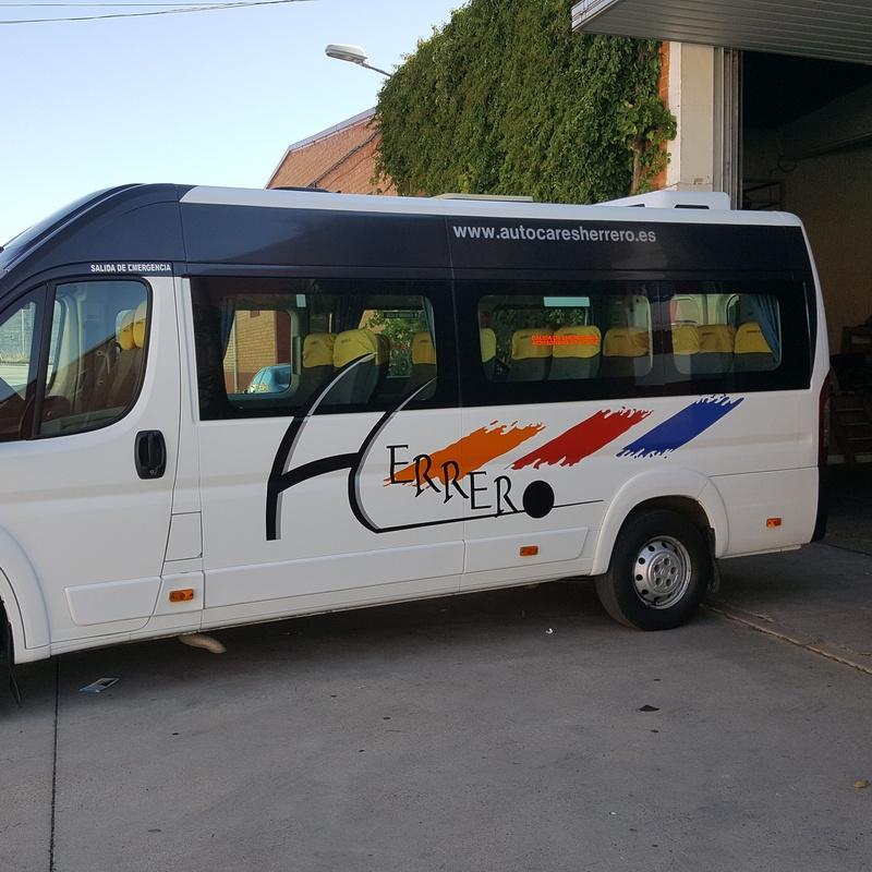 Autocares de 17 plazas: Servicios de Autocares Herrero
