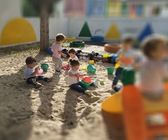 Familias tranquilas: Servicios de Escuela Infantil Crecer