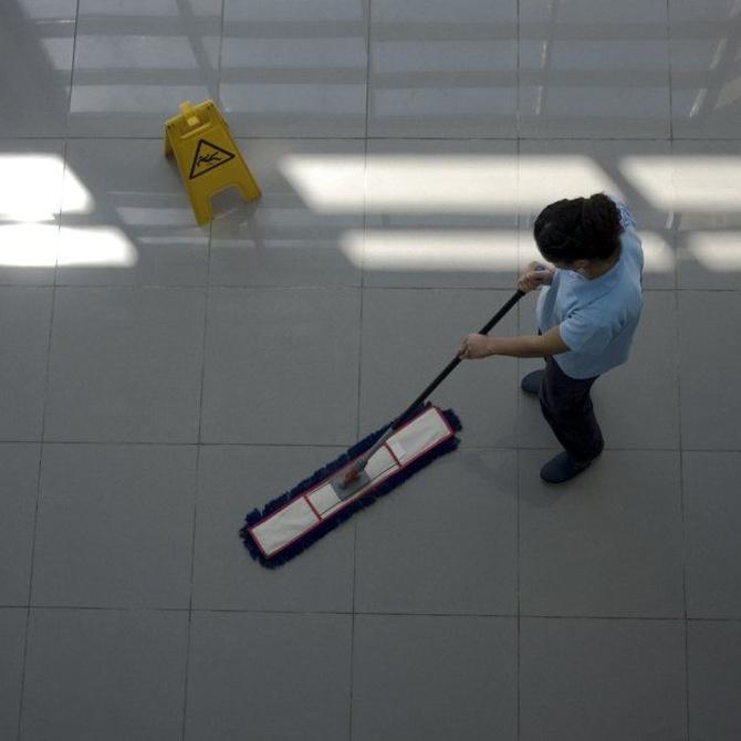 La limpieza del hall de un hostal