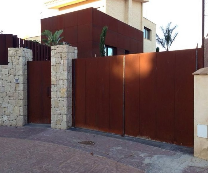 Puertas: Productos y servicios. de Cerrajería Jovipac