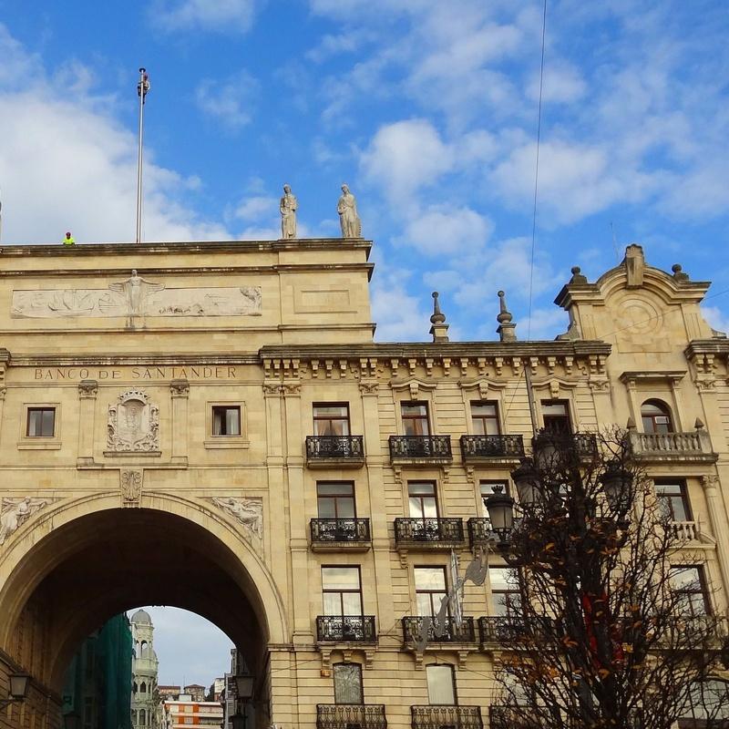 Trabajos verticales en el Banco Santander