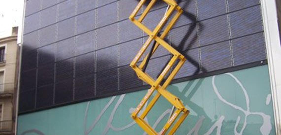 Plataformas elevadoras sobre camión en Anoia tanto en diesel como en eléctrico