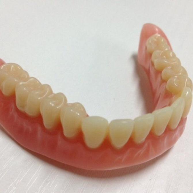 La limpieza de las prótesis dentales