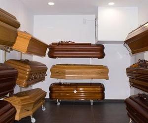Exposición de féretros y arcas