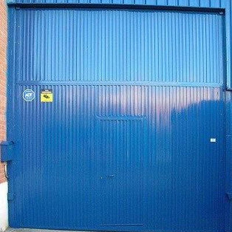 Puertas de garaje basculantes: Productos y Servicios de Luvematic