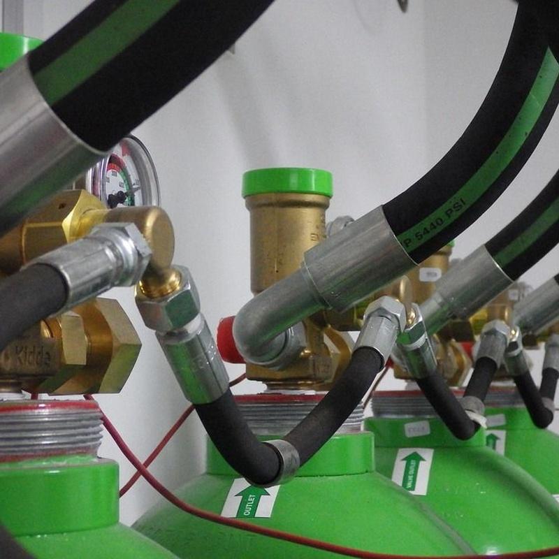 Venta de gases: Servicios de Transportes Eguiara y San Juan