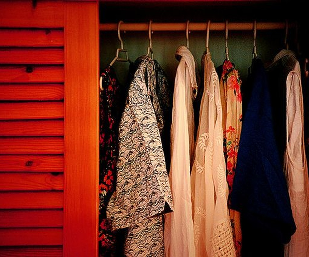Cinco trucos para mantener tu armario perfectamente organizado