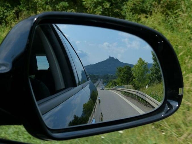 ¿Se puede conducir en España con un carnet extranjero?