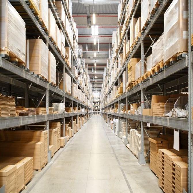 ¿Cómo se puede mejorar el espacio en un almacén de construcción?