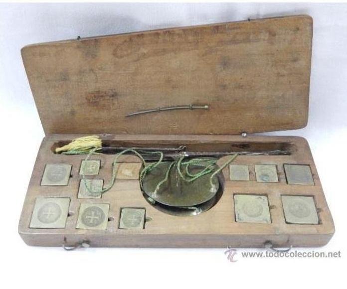 Balanza pesa monedas. Siglos XVII / XVIII: Catálogo de Antiga Compra-Venta