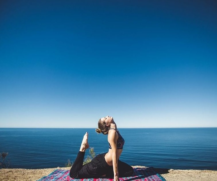 MQ FISIOTERAPIA, empezamos con el Yoga