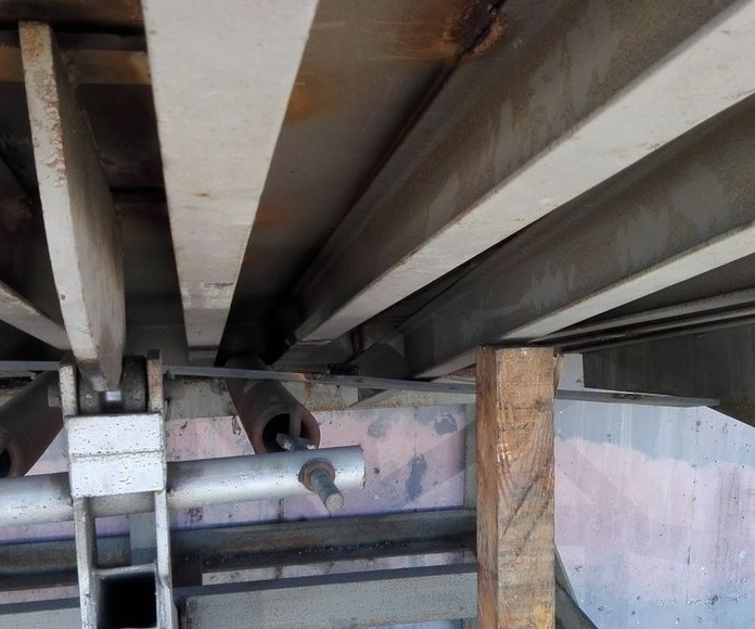 plataforma de carga ajustes soldadura vigas en Silla