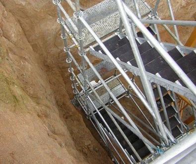 Escaleras. Elemento fundamental para el acceso a las plataformas