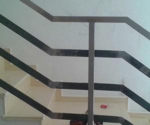 Barandilla escalera hierro e inoxidable en Ribarroja