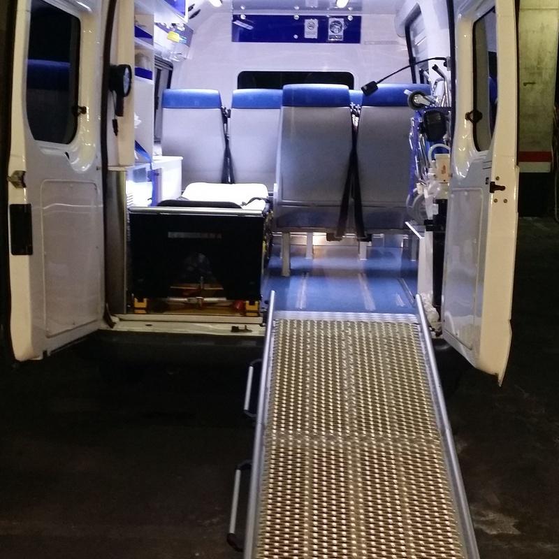 Rampa para acceso de silla de ruedas