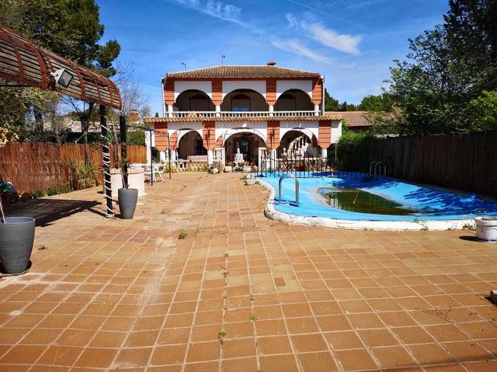 Alquiler de chalet Lagunas de Villafranca : Inmuebles Urbanos de ANTONIO ARAGONÉS DÍAZ PAVÓN
