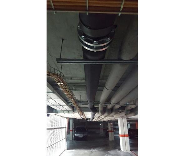 Instalación de conductos para calderas industriales